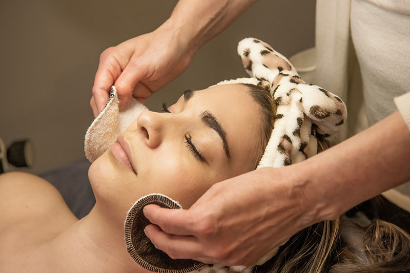 Face Fitness offers professional skin care in Amherst, Williamsville, Clarence, Lancaster, Buffalo or the surrounding areas.